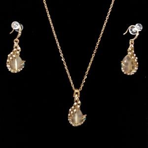 0289 NNT 2PCS Peacock Cat's Eye Gold  Necklace